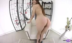 Tmwvrnet.com - elle rose - sweetie orgasms in arm-chair